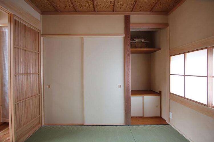 自然素材による木の家の和室の襖