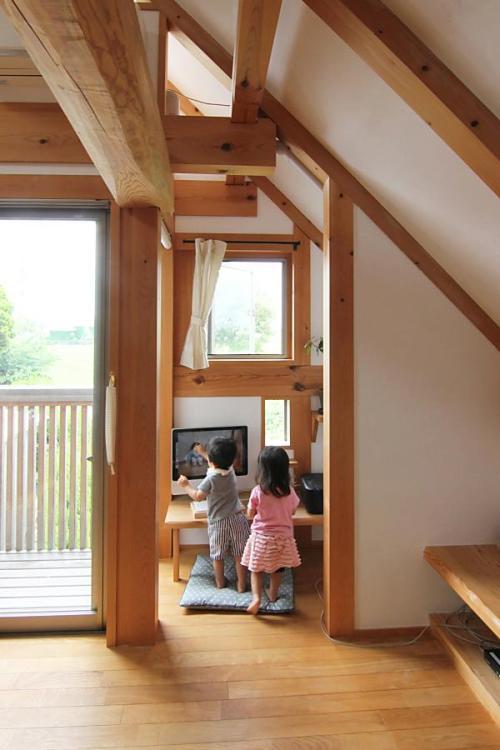 愛知県の小さな家のパソコンコーナー