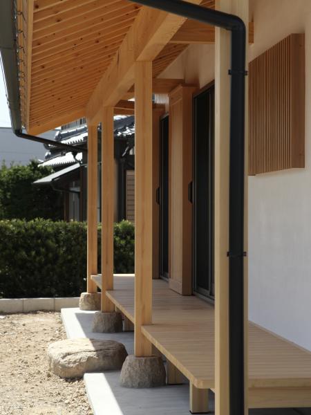 和風の注文住宅の昔ながらの縁側