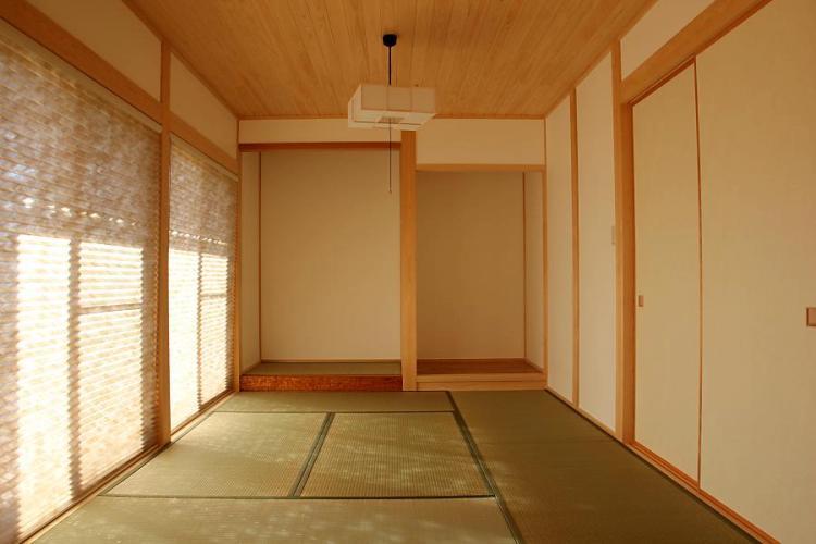 自然素材による木の家の和室