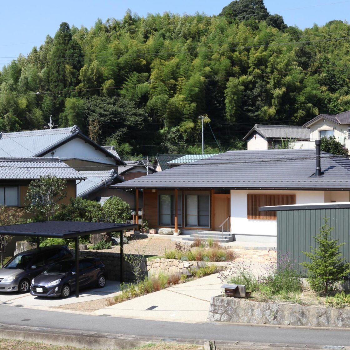 自然素材の平屋の家